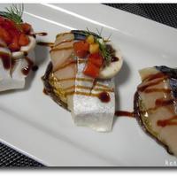 〆鯖とレーズン&バターの焼き茄子のカナッペ バルサミコソース