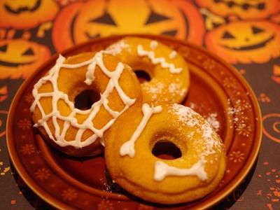 カボチャふんわり♪スパイスで焼きドーナツ☆簡単ハロウィンおやつ