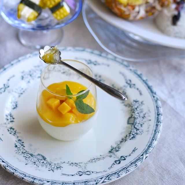 マンゴーと柚子のホワイトチョコムース