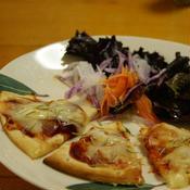 ローズマリーでシンプルピザ