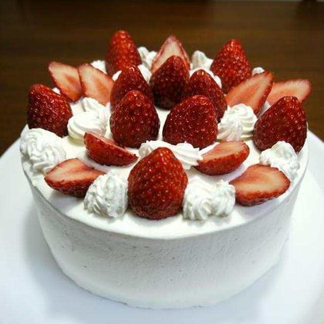 【祝】bvividのお誕生日会☆苺のデコレーションケーキ♪
