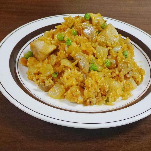 夏バテ解消!ゴロゴロ鶏むね肉と玉ねぎの激うま チキンライスの作り方