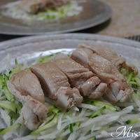 茹で鶏サラダ 長芋ときゅうりのサラダ」