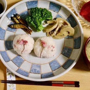 耐える春 海の精・桜の花塩漬けで愛ある食卓
