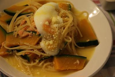 【簡単!ワンポットパスタ】フライパン一つでカボチャと鮭のスープパスタ*3食の調理の流れ
