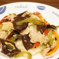 ひき肉と残り野菜で作った中華丼は塩麹で味付け(´・ω・`)