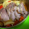 ホールケーキ型で☆豚ブロック肉の野菜と一緒に♪ほったらかしオーブン焼き