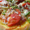 カレー生地のミックスピザ