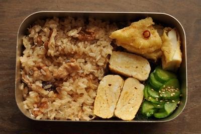 クルミとしらすの味ご飯 (今日の弁当)