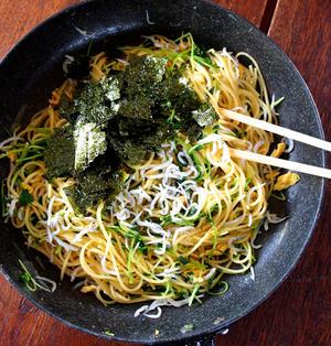 和風スパならこんなのが好き!「豆苗としらすののりたまスパゲティ」