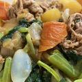 小松菜を入れて肉じゃが&玉ねぎドレッシングの冷ややっこのせ♪