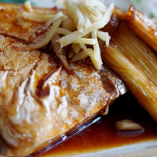 ■THE・朝ご飯【①ぶりカマ煮②雑穀米とさつま芋の炊き込みご飯と味噌汁】です♪