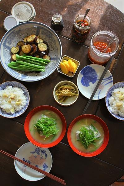 栗ごはん・いくらの醤油漬け・ごま豆腐汁