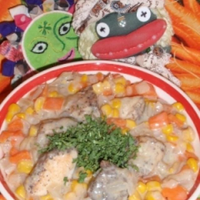 鶏肉のコーンクリーム煮&キュウリのピリ辛ナムル風サラダ(お家カフェ)