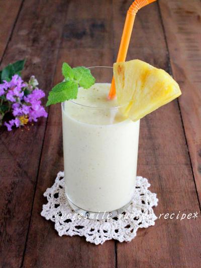 パイナップル&キウイの豆乳ヨーグルトスムージー