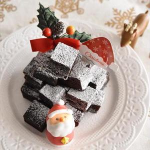 初めてでもかんたん!ホットケーキミックスで「クリスマスチョコケーキ」を作ろう♪