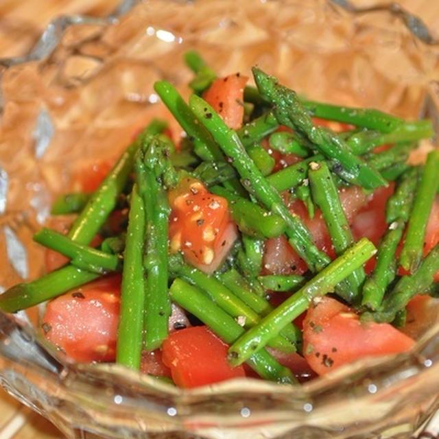 トマトとアスパラガスの簡単マリネ