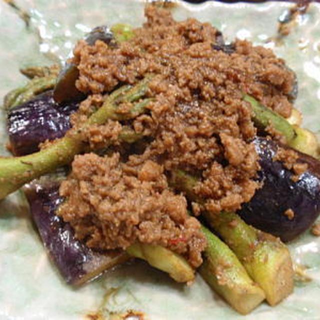 タラの芽と茄子のマグロ肉味噌炒め と タラの芽の天ぷら(レシピ付)