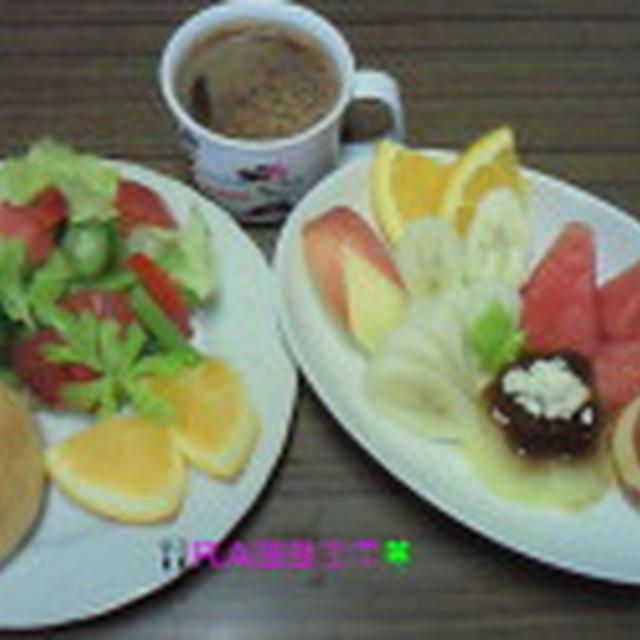 Good-morning ラビっ子のメロンパン&フルーツ盛りもりプリンアラモード~&野菜盛り~じ