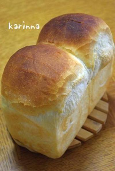 キングピキピキ食パン