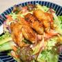 揚げない甘辛手羽の人参サラダ添え。揚げなくてもカリカリ、濃いめのたれでお野菜も進むおつまみ。
