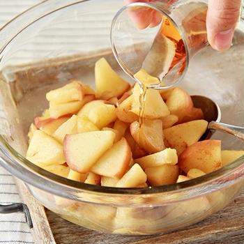 アップルパイはりんごをたっぷりが基本!