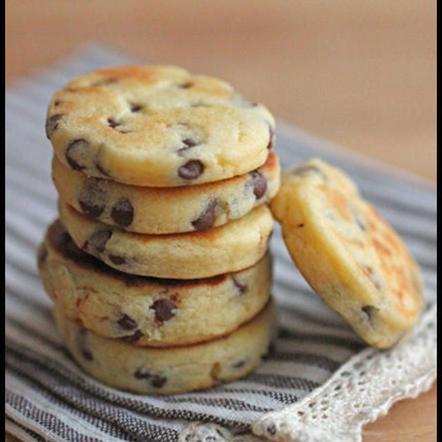 簡単!食べたい時にフライパンですぐ!チョコチップ入りソフトクッキー