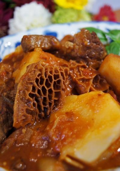 【特選松坂牛ハチノスと牛すね肉のお野菜ゴロゴロビーフシチュー】下処理も炊飯器調理です♪