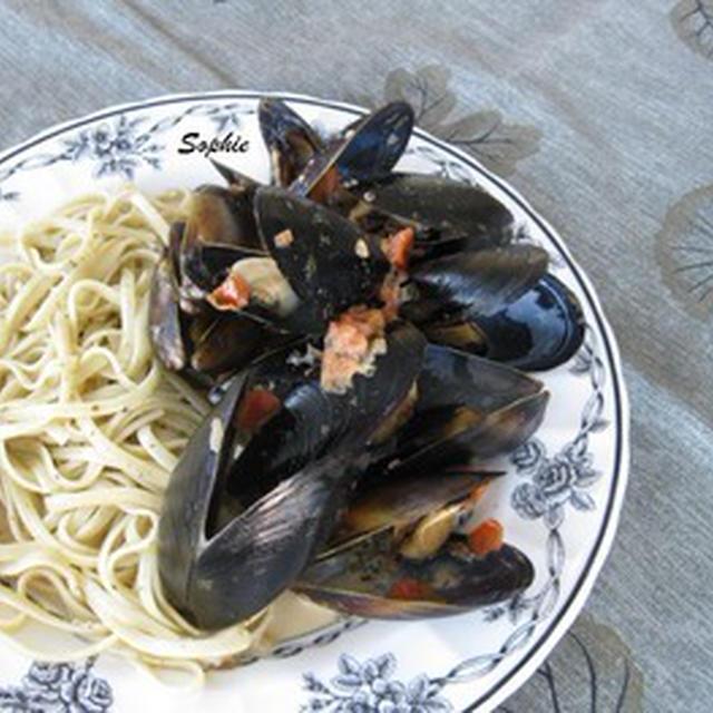 ムール貝のクリーミィートマトソース和えのレシピ
