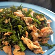 ■菜園発・簡単5分!!【ブロッコリーと豚バラ肉のオイスターチリ炒め。】