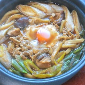 とろとろ〜で温まろう!下仁田ねぎと豚肉の味噌煮込みうどん。
