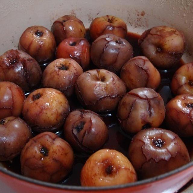 姫リンゴのワイン煮が出来ましたよ(^^♪