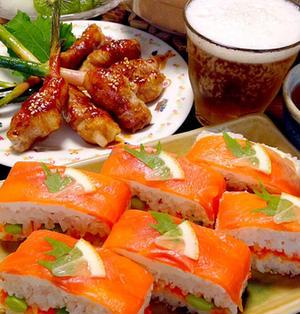 スモークサーモン&クリチの押し寿司です☆