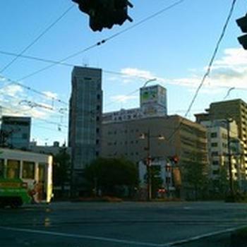 危険・危篤・禁断。日本一短い岡山市の3K路面電車を可及的速やかに廃線しなければならない3つの理由 by おかやま市 MaaS プロジェクト.