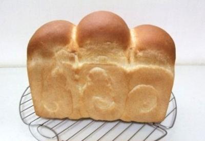 基本の食パン(イギリスパンの成形)