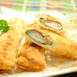 おつまみ、お弁当におすすめ!手軽に作れる「カニカマ春巻き」