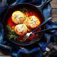 鶏むね肉とおからの煮込みハンバーグ【スパイス大使】