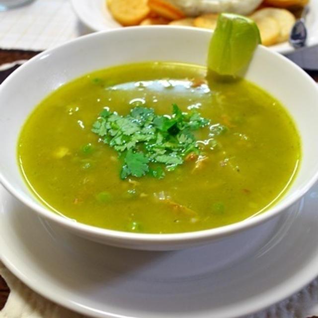 パクチ好きにはたまらない!ペルー風チキン&コリアンダースープ