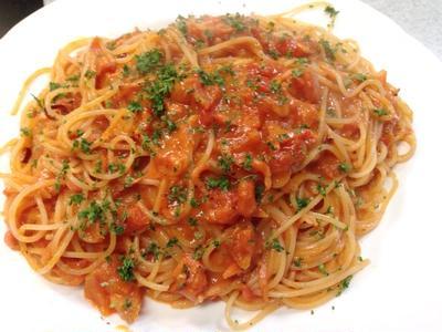 安価な干しエビでワタリガニのトマトクリームスパゲティー!!