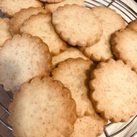 サックサク、お口でほろりと溶けるバタークッキー