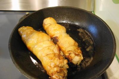 鶏もも肉のグリルとキノコのクリームソース