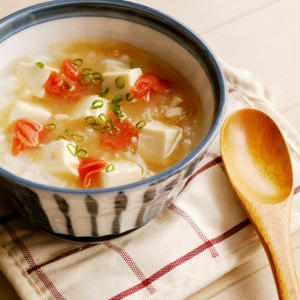 胃腸休めや風邪気味の日に♪豆腐入りがおいしいお粥レシピ