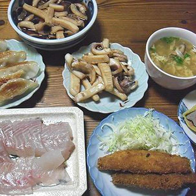 すずきの刺身。イカの煮付けなど