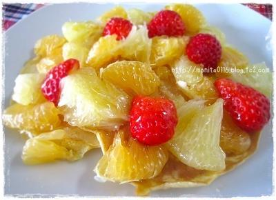オーガニックハチミツのジャラハニーを使ったフルーツたっぷりのパンケーキ!
