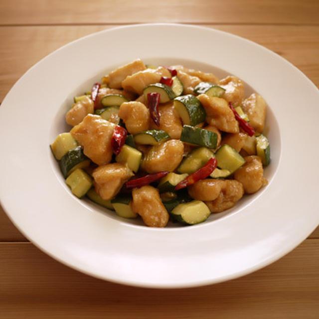 鶏肉ときゅうりの唐辛子炒め