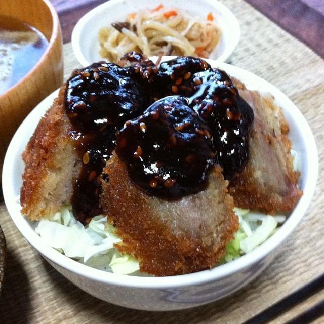 コンビニ味噌メンチカツ丼