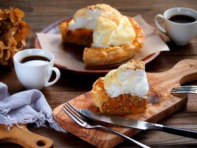 かぼちゃたっぷりのお食事系メレンゲミートパイ