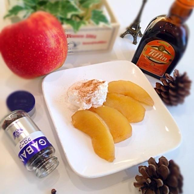 お鍋でコトコト簡単♡紅茶香る♡林檎のコンポート