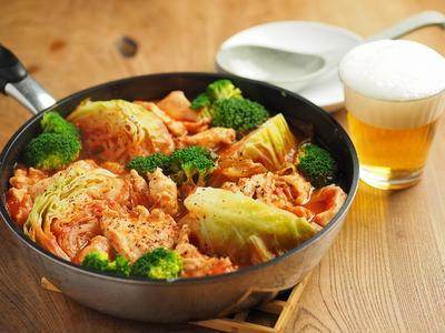 鶏むね肉とキャベツのトマト鍋