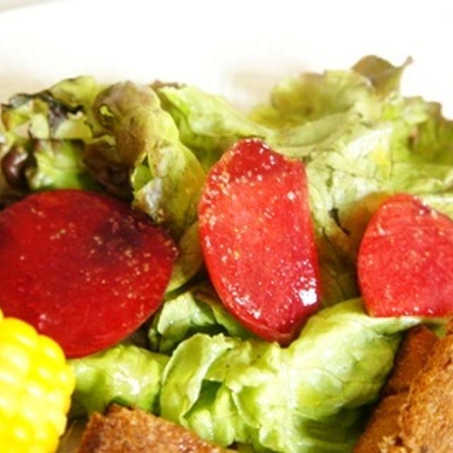 夏はフルーツで、ソルダムサラダ、2種のホットサンドとシャンパンのマリアージュ